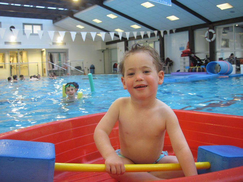 שיעורי שחייה  לילדים ומבוגרים